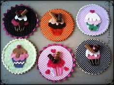 Quadro Cup cake em CD Felt Crafts, Diy And Crafts, Crafts For Kids, Paper Crafts, Diy Recycle, Recycling, Recycled Cd Crafts, Record Crafts, Cd Diy