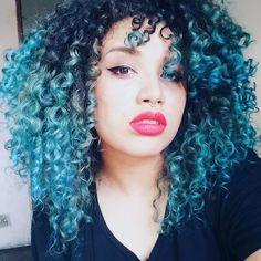 #bluehair #cabeloazul #cacheada #cachoscoloridos #cachos #curlyhair #curly #cachosperfeitos #curls #curlygirls #cacheada #naturalhair #camartins #cachos #cachosdoinstagram #todecacho #encrespandoo #instabgs #bomdia
