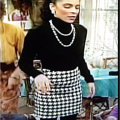 This houndstooth skirt Whitley Gilbert has on is awesome! Hip Hop Fashion, 80s Fashion, Work Fashion, Vintage Fashion, Fashion Outfits, Fashion Clothes, Vintage Style, Whitley Gilbert, Movie Inspired Outfits