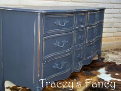 Navy w/gold under! Refurbished Furniture, Cabinet Furniture, Vintage Furniture, Painted Furniture, Baby Girl Dresser, Furniture Projects, Diy Furniture, Armoire, French Provincial Furniture