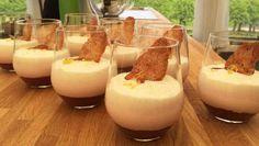 Rabarbermousse, vaniljemousse, mandelmakroner Vegan Desserts, Delicious Desserts, Cook N, Beautiful Desserts, My Dessert, Summer Treats, Food Cakes, Something Sweet, Creative Cakes
