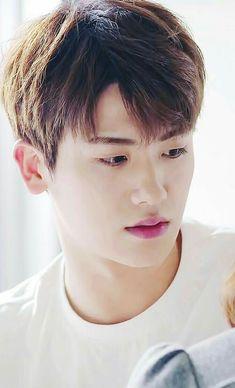That stings. Be gentle. Drama Korea, Korean Drama, Korean Music, Strong Girls, Strong Women, Asian Actors, Korean Actors, Korean Guys, Park Hyungsik Strong Woman