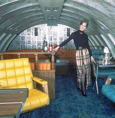 United Airlines stewardess aboard a early via JET SETTER. When air travel was glam. Now, it's just a pain in the butt United Airlines, Retro Airline, Vintage Airline, Airplane Interior, Aircraft Interiors, Vintage Interiors, Cabin Crew, Private Jet, Air Travel