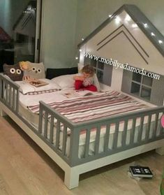 Roofed Floor Bed with Legs - Dream bedroom - - Baby Boy Rooms, Baby Bedroom, Little Girl Rooms, Baby Cribs, Girls Bedroom, Nursery Room, Baby Bedding, Dream Bedroom, Toddler Rooms