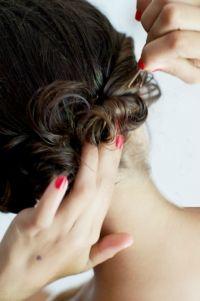 Friser les cheveux sans fer à friser