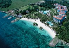 Cebu is once again in the limelight as one of the resorts in Mactan fared well in the Readers' Choice Awards of Condé Nast Traveler magazine. Shangri-La Mactan Resort and Spa placed in. Visit Philippines, Philippines Culture, Philippines Travel, Best Resorts, Hotels And Resorts, Mactan Island, Backpacking Ireland, Visit Fiji
