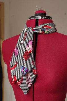 Cute little neck tie to match the skater skirt posted earlier in the week