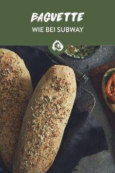 Mach Subway Konkurrenz! Ab heute bietest du deiner Grill-Meute Sandwiches auf die Faust, über die sie noch in zehn Jahren schwärmen werden. Wie, fragste dich? In dem du selbstgebackene Baguettes machst und sich jeder sein perfektes Sandwich-Mopped belegen kann, wie er es will.