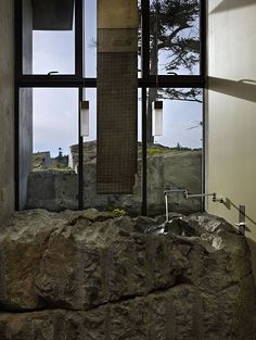 'The Pierre' (rock) House by Olson Kundig Architects