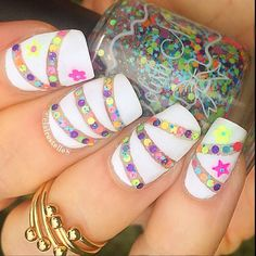 ¡Seleccionamos 20 diseños de art nails que causarán furor el próximo año!