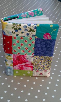 Patchwork Diary cover I made with Cath Kidston Tilda and Vintage Laura Ashley funda agenda Notebook Covers, Journal Covers, Quilt Book, Quilting Projects, Sewing Projects, Fabric Book Covers, Diary Covers, Bible Covers, Fabric Journals