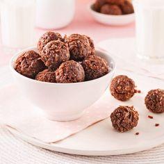 Rochers au chocolat - Recettes - Cuisine et nutrition - Pratico Pratique Sweet Recipes, Dog Food Recipes, Dessert Recipes, Daycare Menu, Energy Bites, Food Photo, Biscuits, Family Meals, Coco