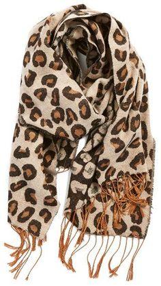 Pin for Later: 50 fabelhafte Geschenkideen unter 25 € für alle Frauen  BP Schal mit Fransen im Leopard-Druck (19 €)