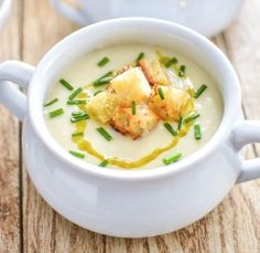 Cauliflower and Celery Root Soup. Cauliflower and Celery Root Soup with Roasted Garlic is the ultimate vegetarian comfort food perfect for meatless Monday. Mashed Potato Soup, Vegetarian Comfort Food, Fall Soup Recipes, Pureed Soup, Good Food, Yummy Food, Cookery Books, Cooking Recipes, Healthy Recipes