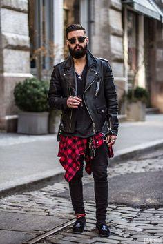 Barba e camisa xadrez que trazem referências do estilo lenhador em um visual bem diferente.