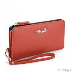 Idealny do Twojej torebki, poręczny, skórzany portfel damski. Firma Nucelle stworzyła serię doskonałych wzorów portfeli, w bogatej gamie kolorystycznej. Akurat ten, wykonany z jednolitej skóry (pochodzenia bydlęcego) w pięknym kolorze herbacianym jest stylowym prezentem dla każdej kobiety. Na wewnętrzną strukturę składają się #kieszenie na karty, banknoty oraz jedna na #zamek. Sposób otwierania to z... #PORTFELE - http://bmsklep.pl/portfele