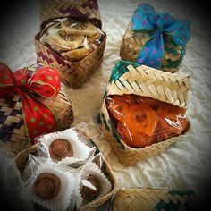Gift Hampers, Gift Baskets, Eid Gifts For Her, Eid Favours, Small Gifts, Unique Gifts, Ramadan Gifts, Cookie Packaging, Ramadan Decorations