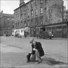 Glaswegian Affection by Haywood Magee Gorbals Glasgow, The Gorbals, Glasgow Scotland, Edinburgh, Glasgow City, Slums, British History, Old Photos, Picture Photo