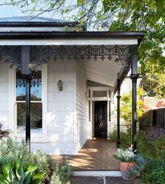 31 Ideas Home Exterior Paint Colors Entry Doors Cottage Exterior, House Paint Exterior, Exterior Paint Colors, Exterior House Colors, Exterior Design, Victorian Cottage, Victorian Homes, Weatherboard House, Queenslander