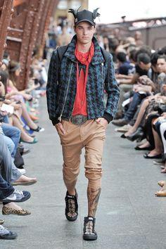 OMG This pants are awesome! SÃO PAULO | INVERNO 2012 RTW | CAVALERA