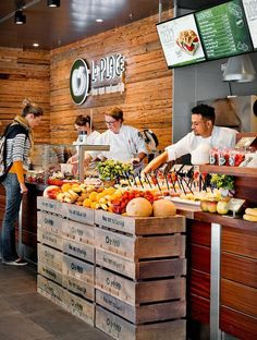 Als je van natuurlijk houdt, hou je van La Place. Jaarlijks genieten meer dan If you like natural, you love La Place. Juice Bar Interior, Cafe Interior, Coffee Shop Design, Cafe Design, Burger Bar, Cafe Restaurant, Restaurant Design, Juice Bar Design, Juice Menu