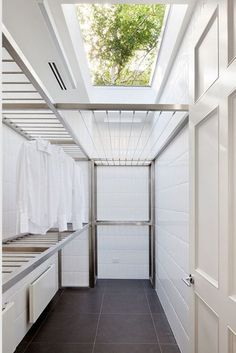 60 drying room design ideas that you can try in your home 55 Small Laundry Room Ideas are a lot of fun if you find the right ones and use them adequately. With the right approach and some nifty ideas you can take things to the next level. Outdoor Laundry Rooms, Modern Laundry Rooms, Laundry Room Layouts, Laundry Room Organization, Outdoor Laundry Lines, Outside Laundry Room, Home Design, Küchen Design, Design Case