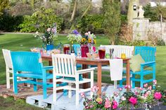 If you're feeling #creative and up for a challenge, why not liven things up with a splash of colour from Ronseal's garden paint range. Find out how to #GetTheLook at Woodies.ie.