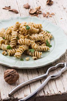Pasta con fagioli bianchi, capperi e peperoni - ricetta veloce