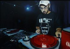 Artista: Ado-Nay ( Manuel Rivero ) Título: korrosive. 50x70 cm. Óleo sobre tabla. 2015