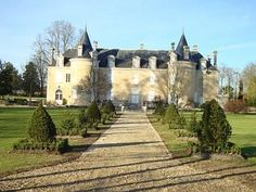 It's on for a cool €2,980,000, but this 12-bedroom French chateau on #Preloved looks worth every Euro for its sheer romance alone...