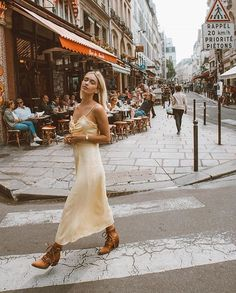 PIN: {{meegs}} IG: mondaisies Walking, Spring Fashion, First Time, The One, Dresses, Spring Style, White Dress, Jogging, Vestidos