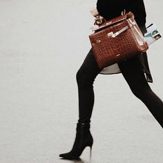 Always dress like this is the #bestday of your life. #mypicard #fashionjunkie #picardbag #style #ootd #perfection