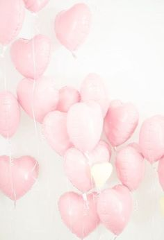 Pretty in Pink heart balloons. Get these and more at Dollar Party! Rose Pastel, Pretty Pastel, Tout Rose, Heart Balloons, Pink Balloons, Helium Balloons, Love Is In The Air, Pastel Decor, Everything Pink