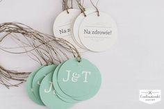 Wedding, alcohol labels on the bottle, made of eco paper with eco twine. / Zawieszka na alkohol na ekologicznym sznurku wykonana z papieru ekologicznego.