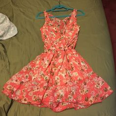 Boutique Floral Romper (Tea & Rose) Peach floral romper! Size Medium from a Los Angeles Boutique ~ Tea & Rose. Light and good quality material! Tea & Rose Other