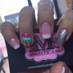 Imagen relacionada Funky Nail Designs, Funky Nails, Pretty Nails, Nailart, Nail Polish, Beauty, Triangles, Stickers, Finger Nails