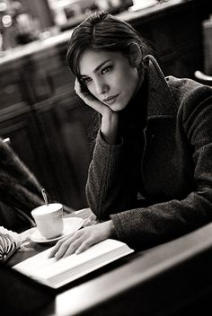 Oh yess! Coffee & a good book ...
