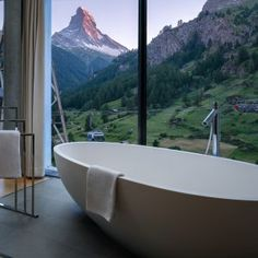 Hotel Matterhorn FOCUS, Zermatt: refreshingly sophisticated - LIFESTYLEHOTELS Finnish Sauna, Four Rooms, Jacuzzi Outdoor, Roof Window, Mountain Bike Trails, Double Room, Zermatt, Big Challenge, Sophisticated Style