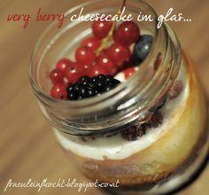 Cheesecake im Glas Berry Cheesecake, Berries, Pudding, Desserts, Food, Dessert Ideas, Corning Glass, Koken, Rezepte