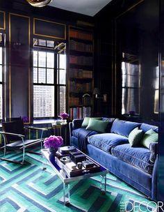 〚 The color kingdom: Rich and catchy shades in Chicago apartment 〛 ◾ Photos ◾Ideas◾ Design Purple Rooms, Purple Walls, Art Deco Living Room, Interior Design Living Room, Room Art, Living Rooms, Sala Glamour, Dark Interiors, Beautiful Interiors