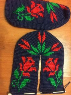 tunus isi 2017 patik modelleri Crochet Basket Pattern, Baby Knitting Patterns, Knitted Slippers, Tunisian Crochet, Crochet Blouse, Baby Booties, Beanie, Socks, Crafts