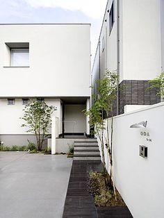 オープンエクステリア施工事例 / シンプル、モダン Courtyard Design, Patio Design, House Design, Front Yard Garden Design, Zen Style, Modern Front Door, Modern Tiny House, Dream House Exterior, House Entrance