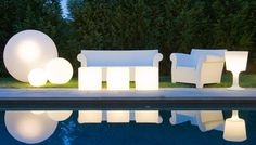 Light up your evening events with our illuminated products.  Perfect for use indoors or outdoors - taylor creative inc