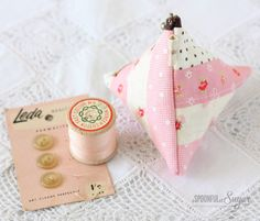 Triangle Pouch I knpw I've pinned this before but it's SO cute!