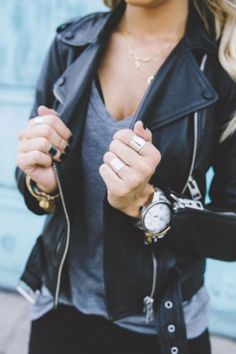 10 BASICS EVERY GIRL NEEDS