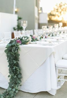 Wedding reception idea; Featured Photographer: Troy Grover Photography