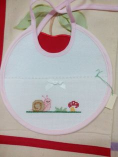 Discover recipes, home ideas, style inspiration and other id Embroidery Stitches, Hand Embroidery, Embroidery Designs, Cross Stitch Designs, Cross Stitch Patterns, Wool Baby Blanket, Bib Pattern, Cross Stitch Baby, Christmas Bags