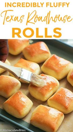 Aug 2018 - Texas Roadhouse Rolls - sweet, fluffy and buttery copycat Texas Rolls generously slathered with homemade melted honey cinnamon butter. All you need is just one bite and you'll be in bread heaven! Homemade Dinner Rolls, Dinner Rolls Recipe, Texas Rolls Recipe, Texas Bread Recipe, Fast Rolls Recipe, Honey Rolls Recipe, Sweet Bread Rolls Recipe, Easy Homemade Rolls, Easy Yeast Rolls