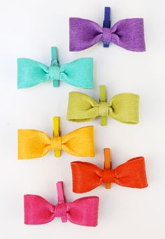 DIY these adorable bows with Martha Stewart Crafts Durable Matte Decoupage, Bakers Twine, and easy-to-follow instructions from Damask Love. #marthastewartcrafts #12monthsofmartha #marthastewart