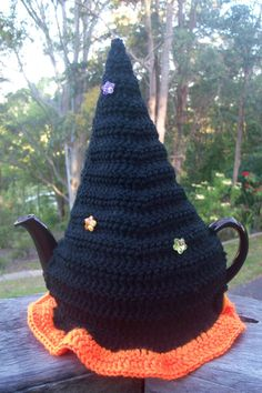 "TCb15, Tea Cosy, ""Witch Hat"", Cute Halloween, 3->4 cup, Handmade in Australia, Acrylic"